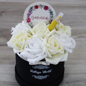 virágdoboz ünnepi rózsadoboz virágküldés