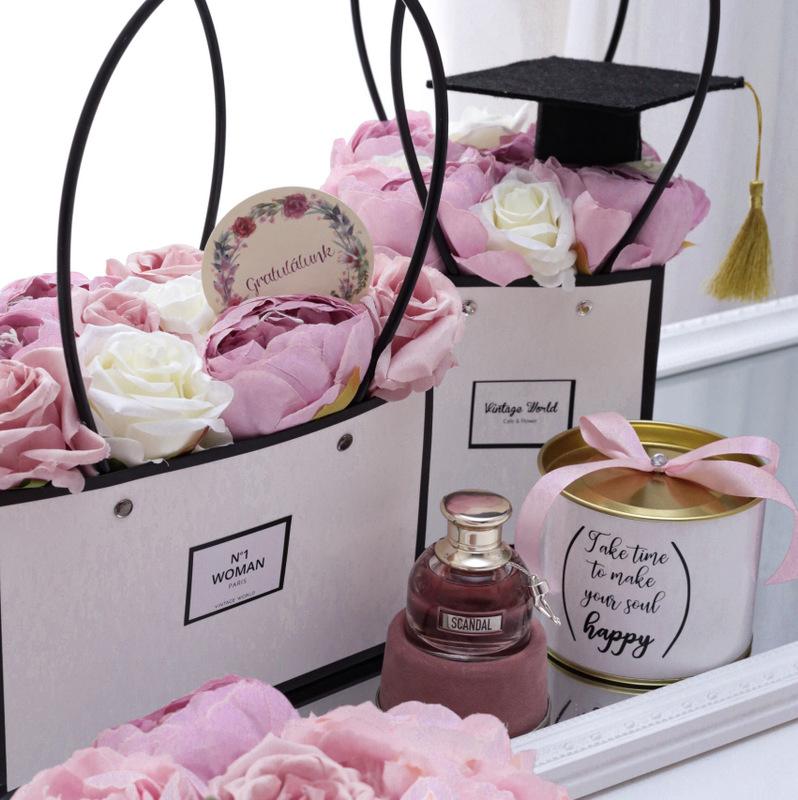 ballagas, ajandek, ballagasra, ajandekötlet, ötletek, lányoknak, óvónéninek, parfüm, chloe,