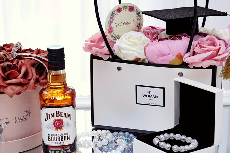 Ajándékötletek ballagásra, ballagási ajándék tanároknak ajándékötletek ballagás ballagásra whiskey habrózsa rózsa doboz rózsabox rózsa csokoládé édesség köszönjük bazsarózsa