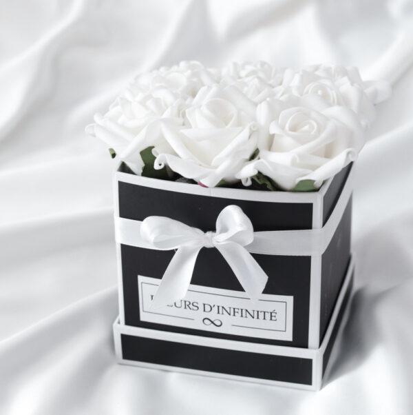 Szeretet Virágai Fehér mini rózsadoboz